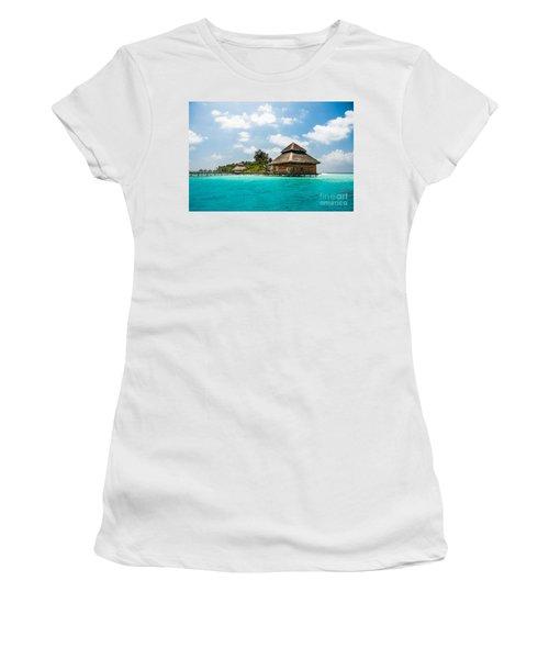 Rannaalhi Women's T-Shirt (Athletic Fit)