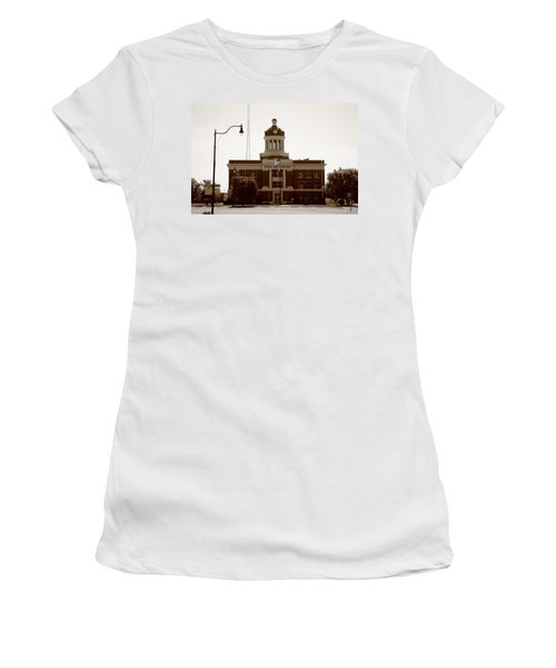 Route 66 - Beckham County Courthouse Women's T-Shirt