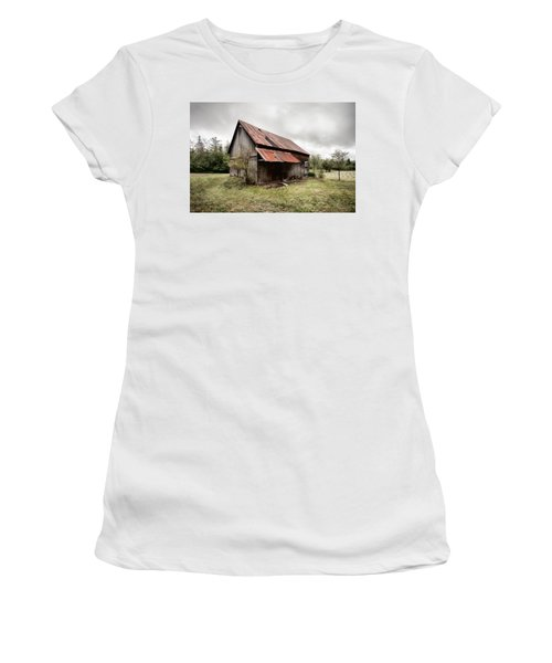 Rusty Tin Roof Barn Women's T-Shirt (Athletic Fit)