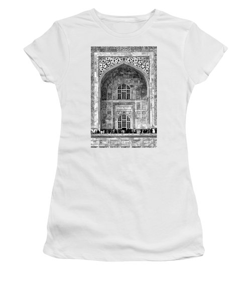 Taj Mahal Close Up In Black And White Women's T-Shirt (Athletic Fit)