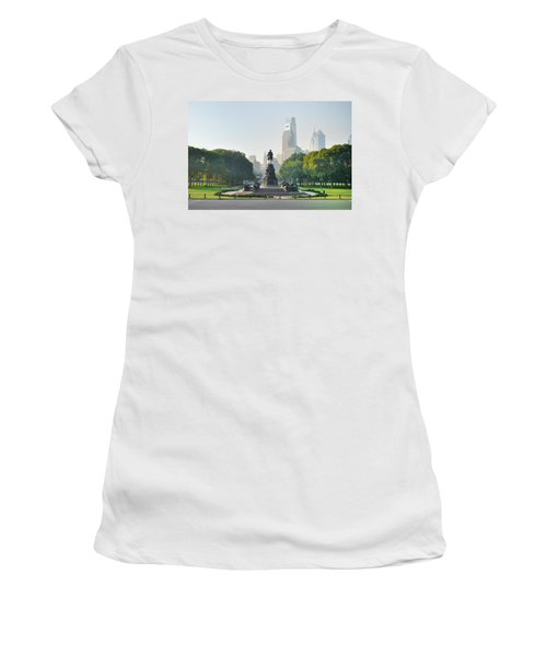 Women's T-Shirt featuring the photograph The Benjamin Franklin Parkway - Philadelphia Pennsylvania by Bill Cannon