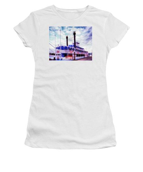 The Julia Belle Swan Women's T-Shirt