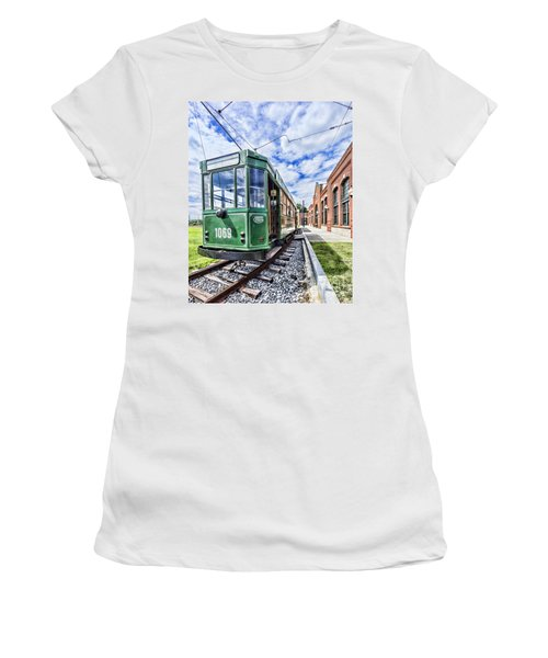 The Stib 1069 Streetcar At The National Capital Trolley Museum I Women's T-Shirt