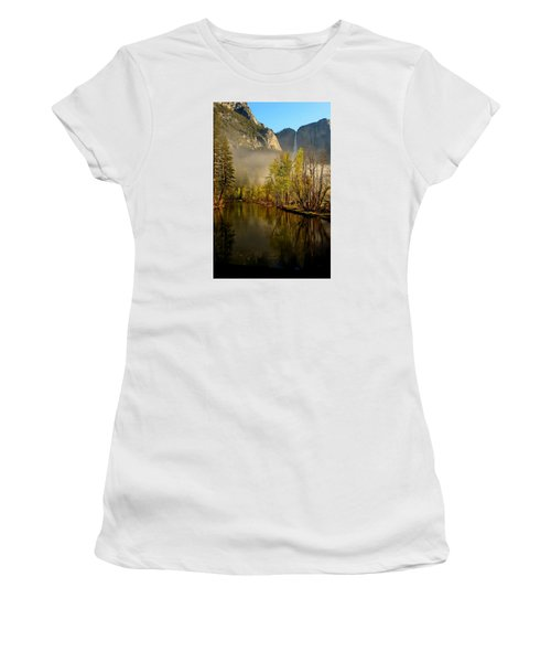Women's T-Shirt (Junior Cut) featuring the photograph Vanishing Mist by Duncan Selby