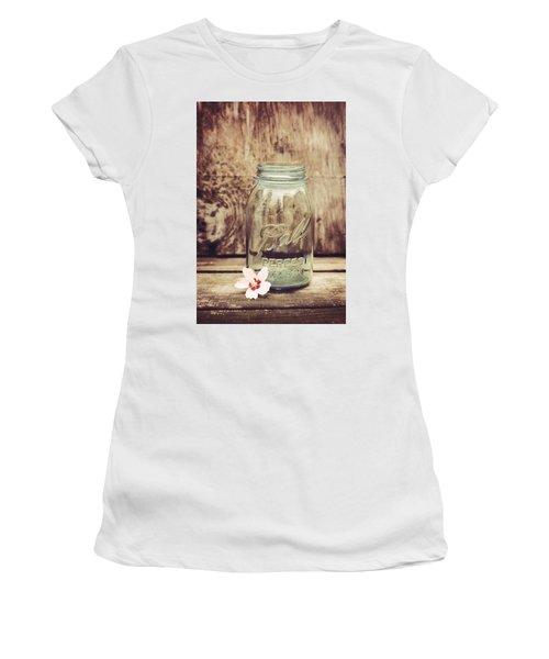 Vintage Ball Mason Jar Women's T-Shirt (Athletic Fit)