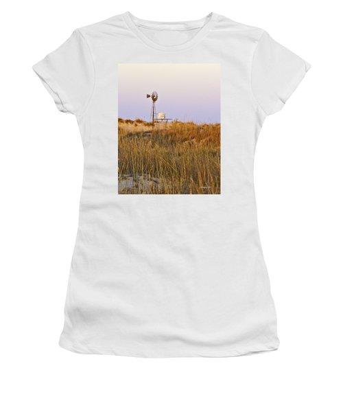 Windmill At Dusk 2011 Women's T-Shirt