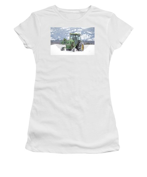 Winter Feeding Women's T-Shirt
