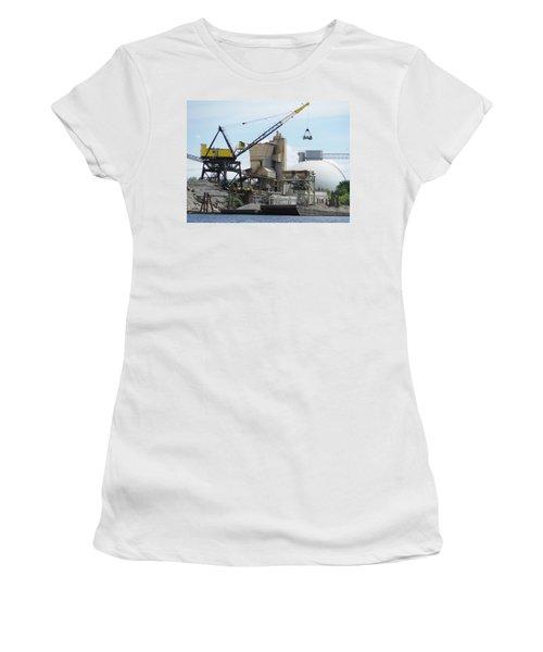 Yellow Crane Women's T-Shirt (Athletic Fit)