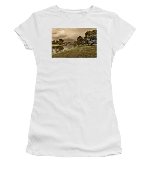 Eery Day Women's T-Shirt (Athletic Fit)