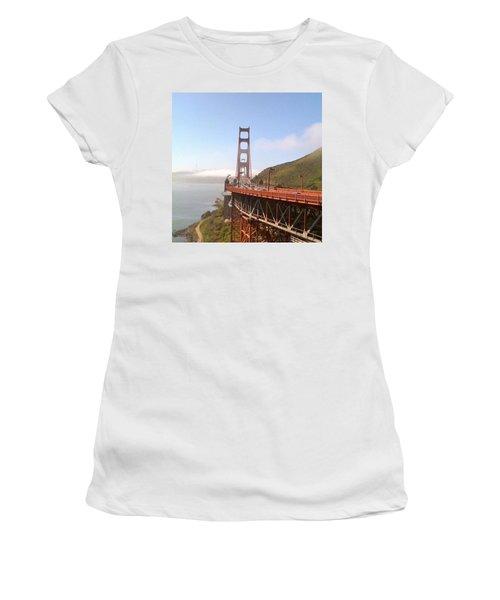 Golden Gate Bridge - San Francisco Ca Women's T-Shirt