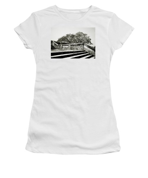 Hue  Women's T-Shirt