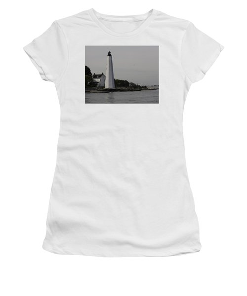 New London Light Women's T-Shirt (Athletic Fit)