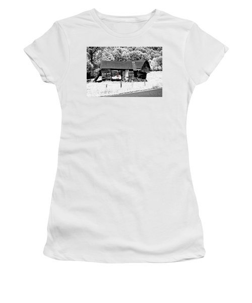 Women's T-Shirt (Junior Cut) featuring the photograph Old Barns With Red Gate by Susan Leggett