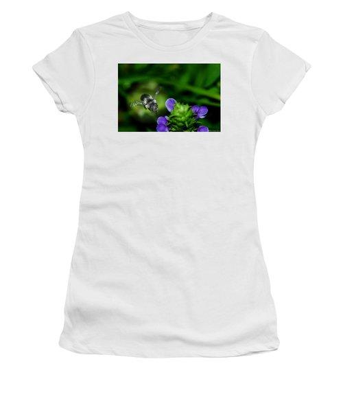 Approaching Women's T-Shirt