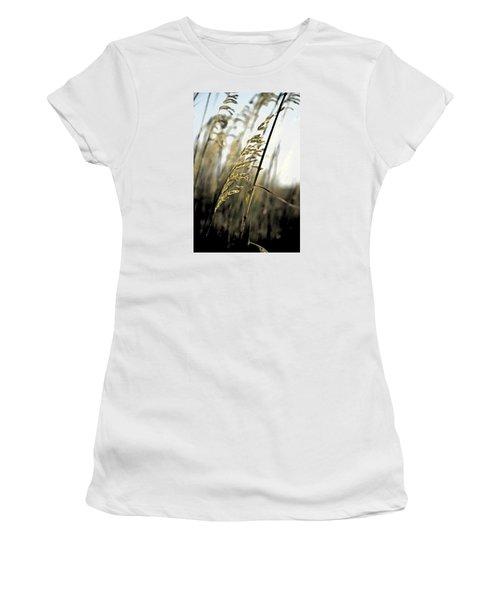 Artistic Grass - Pla377 Women's T-Shirt (Junior Cut) by G L Sarti