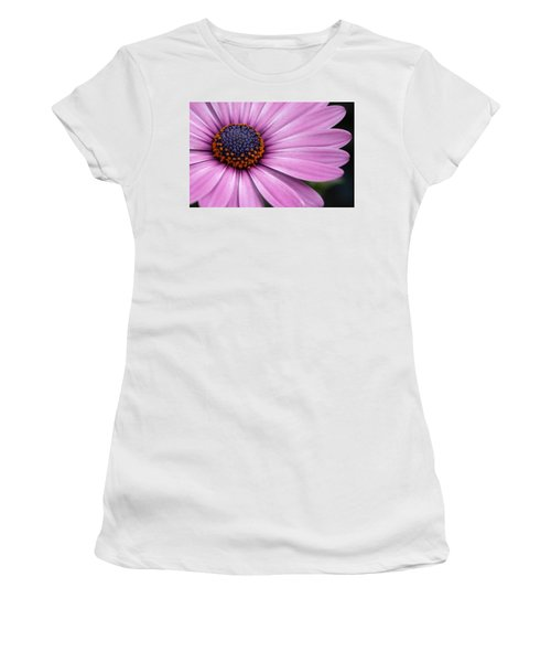 Daisy Delight Women's T-Shirt (Athletic Fit)