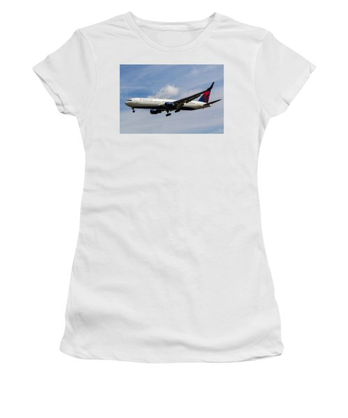 Delta Airlines Boeing 767 Women's T-Shirt (Athletic Fit)