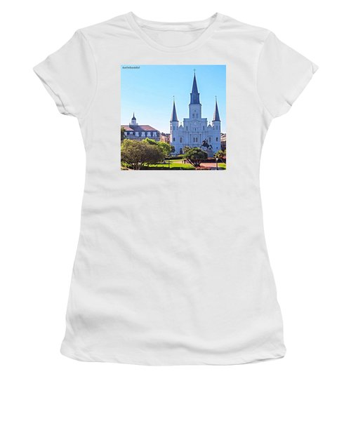Is This Photo A #classic Or A #cliche? Women's T-Shirt