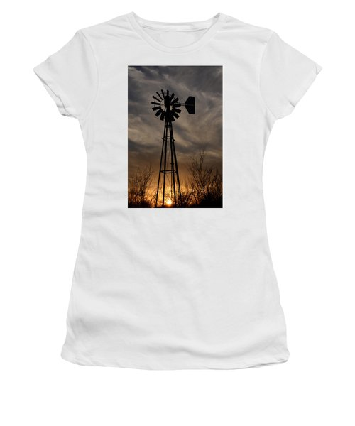 Oklahoma Windmill And Sunset Women's T-Shirt (Athletic Fit)