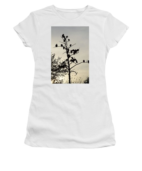 Tree For The Hungry Women's T-Shirt (Athletic Fit)