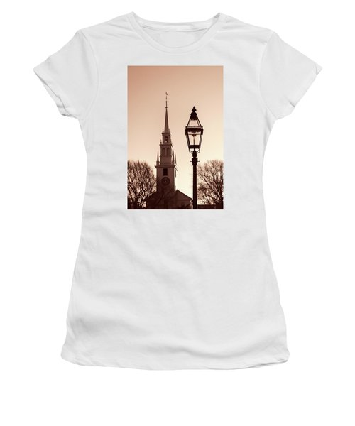 Trinity Church Newport With Lamp Women's T-Shirt
