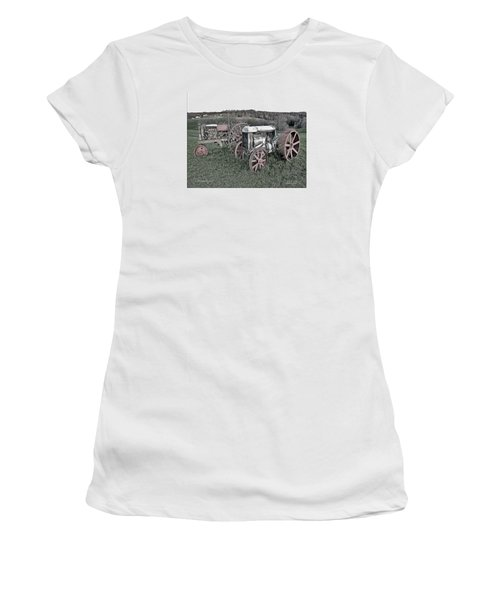 1923 Fordson Tractors Women's T-Shirt (Athletic Fit)
