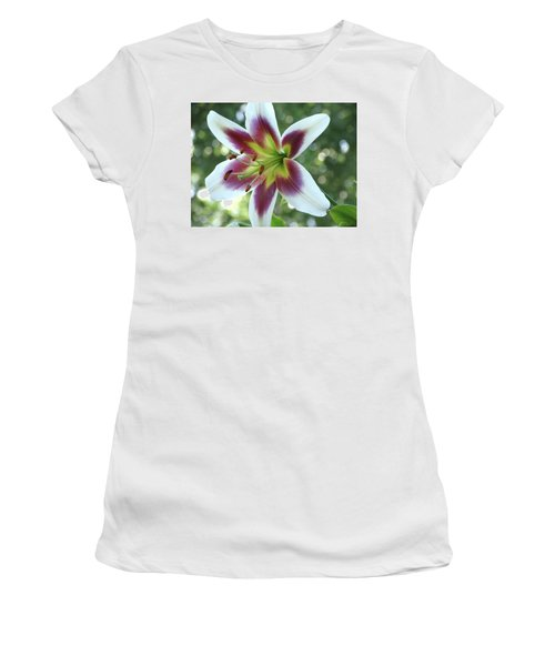 Oriental Lily Women's T-Shirt (Athletic Fit)