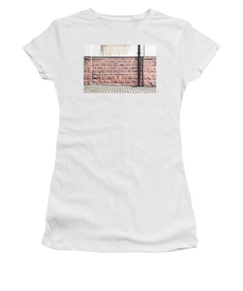 Wall Detail Women's T-Shirt