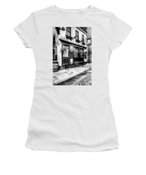 The Mayflower Pub London Women's T-Shirt (Athletic Fit)