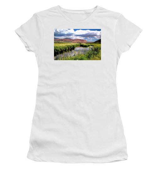 Capitol Reef National Park Women's T-Shirt (Athletic Fit)