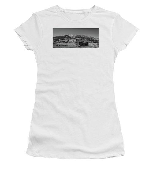 Abandoned Cabin Near Crested Butte Bw Women's T-Shirt