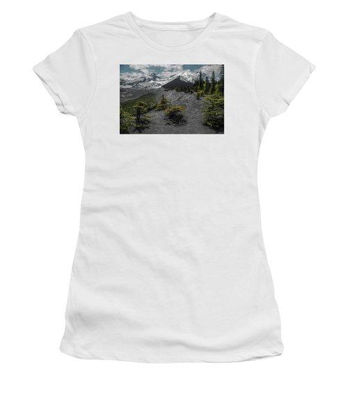 Approaching Rainer Women's T-Shirt