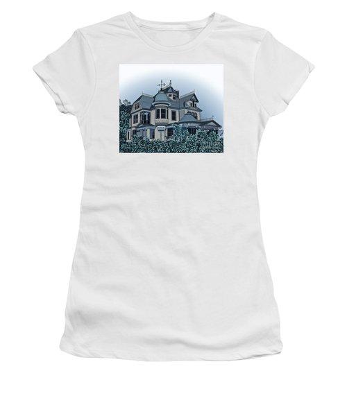 Aristocrat 2 Women's T-Shirt