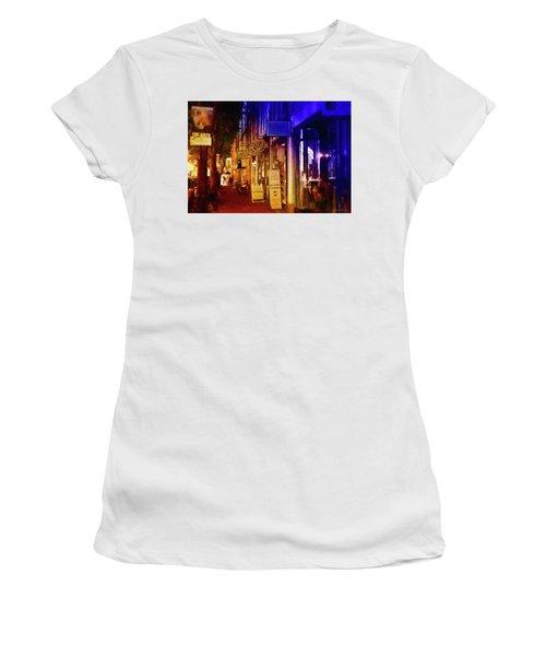 Art Row - Fredericksburg, Virginia Women's T-Shirt (Athletic Fit)