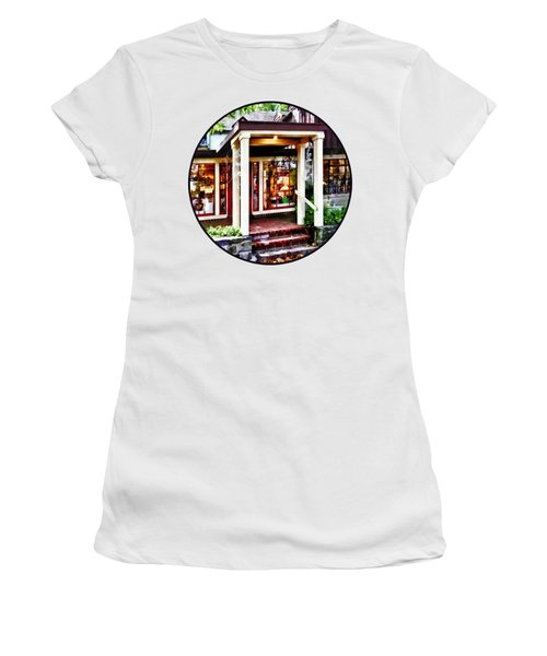 New Hope Pa - Craft Shop Women's T-Shirt (Junior Cut) by Susan Savad