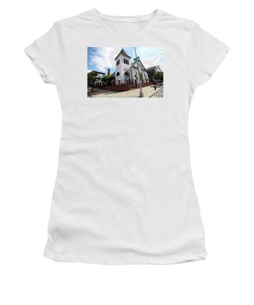 Asamblea Evangelica Evergreen Church Women's T-Shirt