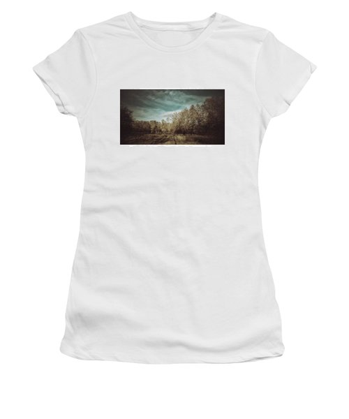 Auf Der Wiese Kein Women's T-Shirt (Athletic Fit)