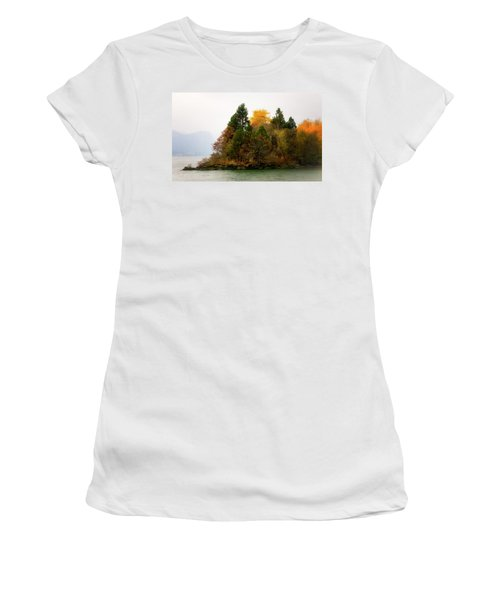 Women's T-Shirt (Junior Cut) featuring the photograph Autumn On The Columbia by Albert Seger