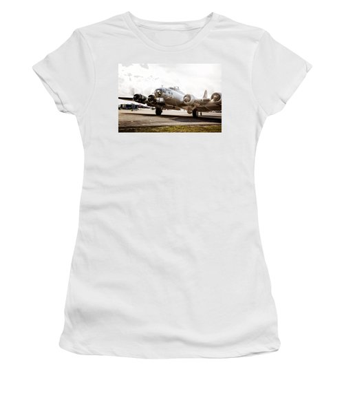 B-17 Bomber Ready For Takeoff Women's T-Shirt (Junior Cut)