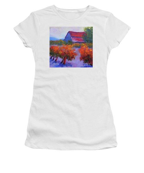 Barn Vineyard Autumn Women's T-Shirt
