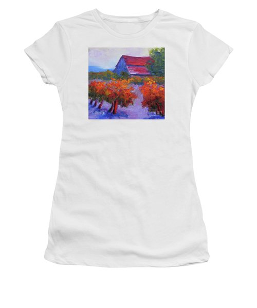 Barn Vineyard Autumn Women's T-Shirt