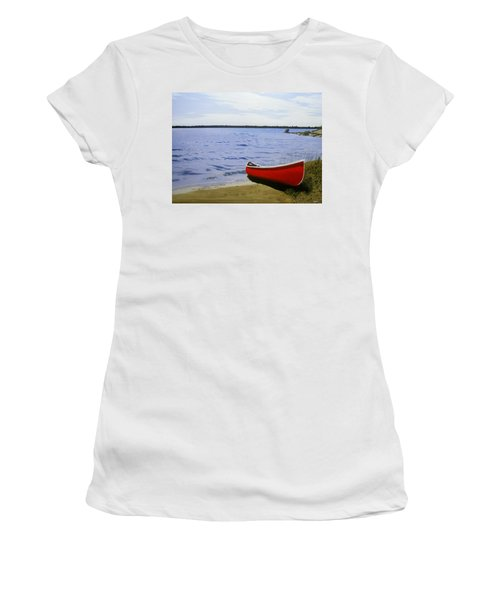 Beaultiful Red Canoe Women's T-Shirt (Athletic Fit)