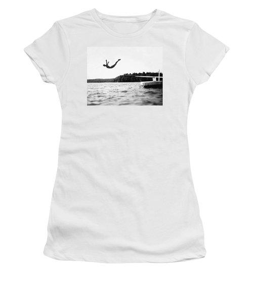 Big Pond Swan Dive Women's T-Shirt