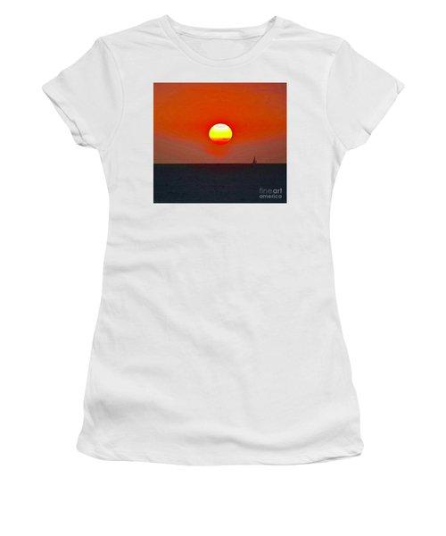 Big Sun Women's T-Shirt (Athletic Fit)