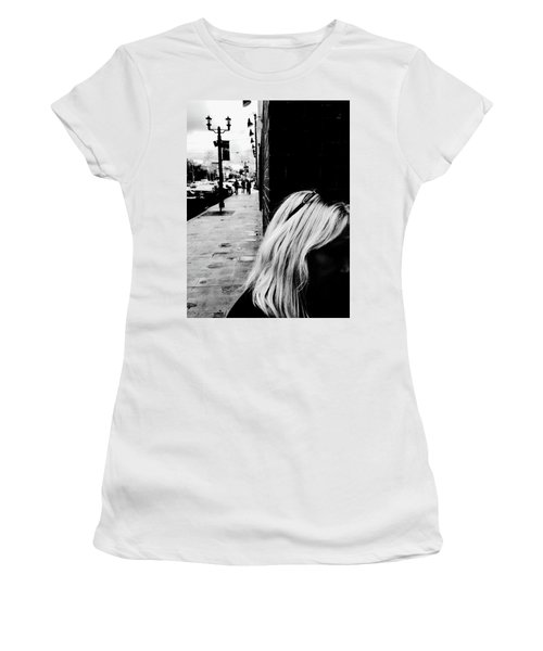 Blonde Mystery Women's T-Shirt (Athletic Fit)