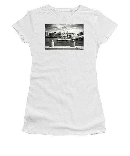Boston Harbor Series 4860 Women's T-Shirt (Athletic Fit)