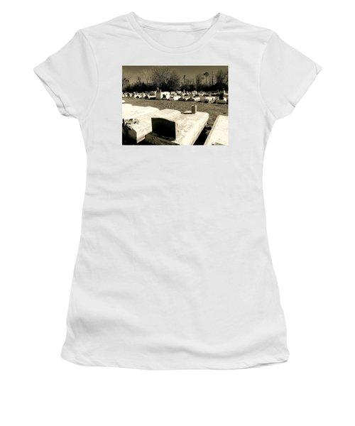 Cajun Country Graveyard #1,la. Women's T-Shirt (Athletic Fit)
