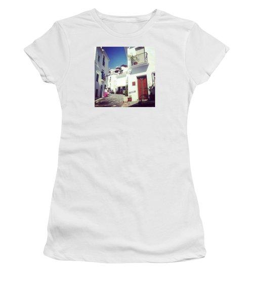Calles De Frigiliana, Pueblo Blanco De Malaga - Spain Women's T-Shirt