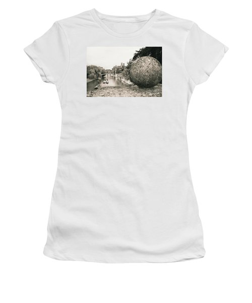 Cambridge Punting  Women's T-Shirt (Athletic Fit)