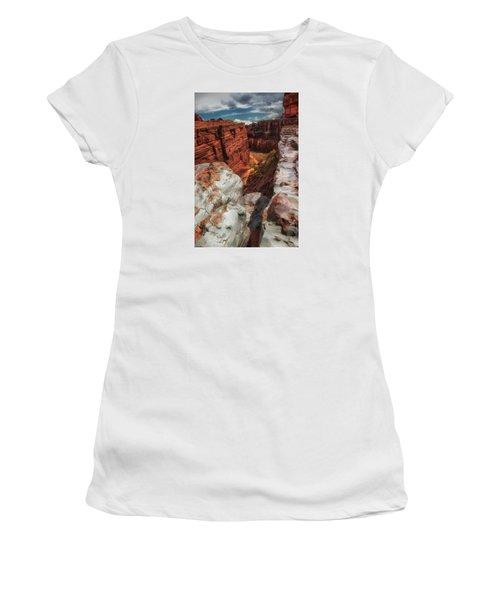 Canyon Lands Quartz Falls Overlook Women's T-Shirt (Athletic Fit)